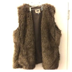 Faux Fur Brown Vest with pockets Old Navy XXL
